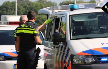 Fietsendief slaat 4 ramen uit politiebus Heistraat Oosteind