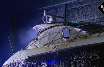 Jacht door brand verwoest op scheepswerf in Heusden