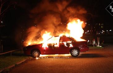 Autobrand op parkeerplaats Slotlaan Oosterhout