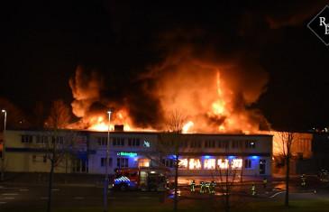 Compagniebrand bij bowlingbaan Dolfijn in Tilburg
