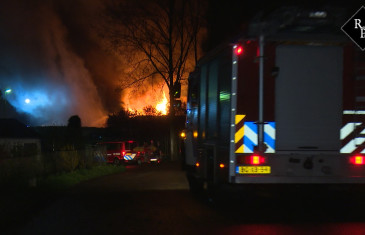 Grote brand bij veevoederbedrijf De Heus in Andel