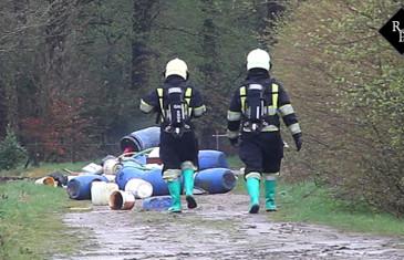 Meerdere vaten drugsafval gedumpt op de Goorstraat en Ballastweg in Alphen