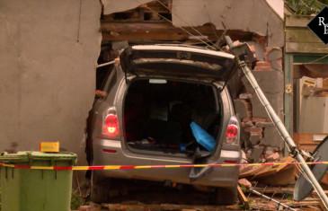 Bejaard echtpaar rijdt met auto woning binnen Rijksweg (N65) Helvoirt