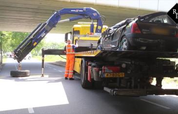 Vrouw verongelukt door losgeraakt vrachtwagenwiel Poeldonkweg Den Bosch