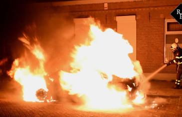 Autobrand Oeverstraat Tilburg