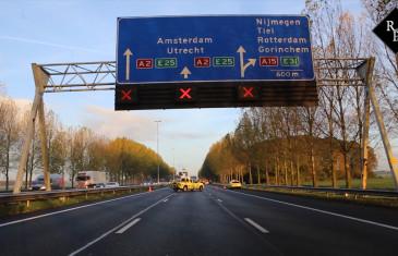 Ongeval meerdere voertuigen A2 Waardenburg