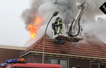 Uitslaande woningbrand Vooreinde Waalwijk