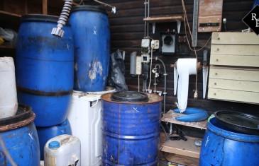 Vuurwapen en xtc-afval aangetroffen bij inval Blazeveldweg Haaren