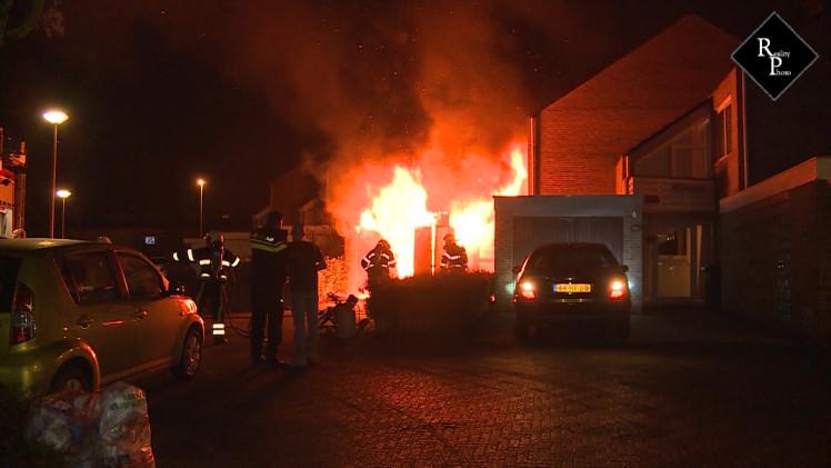 Uitslaande brand in garagebox Jacob Marisplein Drunen