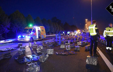 Complete chaos na ongeval met vrachtwagen A58 Moergestel