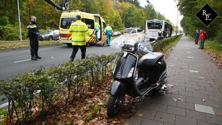 Ongeval scooter en stadsbus op Bredaseweg in Tilburg