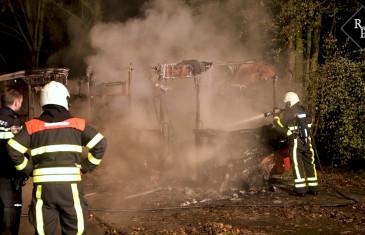 Gestolen stadsbus Arriva volledig uitgebrand Leijweg Tilburg