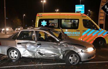 Man vlucht na ongeval met meerdere gewonden op Baroniebaan in Tilburg