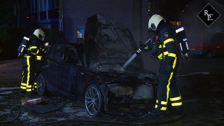 Auto uitgebrand Jachthoornstraat Tilburg
