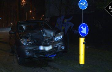 Twee auto's botsen op elkaar Goirkestraat Tilburg