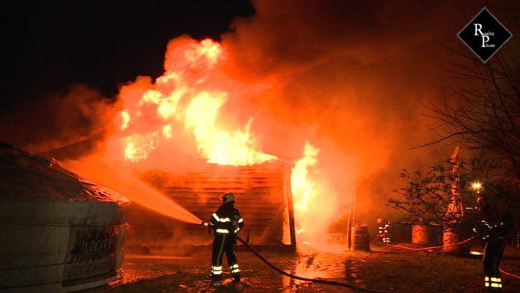 Brand verwoest zorgboerderij voor jongeren in Vlijmen