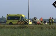 Auto slaat over de kop op de A59 bij Drunen