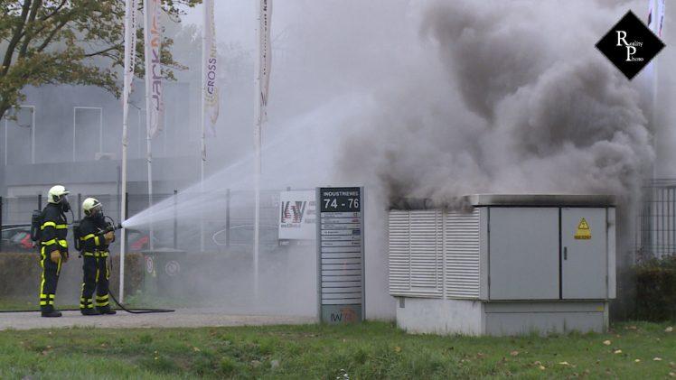 Twintig bedrijven zonder stroom door brand transformatorhuisje