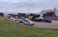 Politie doet inval aan de Parallelweg-Oost in Vlijmen