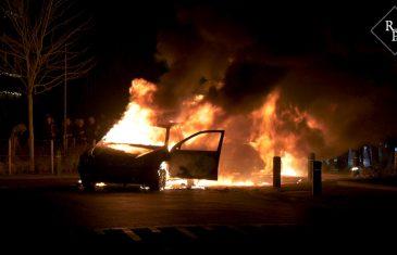 Opnieuw autobranden in Veen