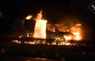 Bestelbus uitgebrand Tuinbouwweg in Elshout