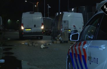 Koerier overvallen in Den Bosch, daders laten bestelbus brandend achter in Elshout