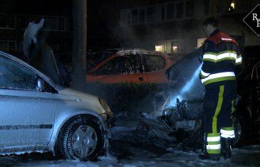 Twee auto's uitgebrand Zesde Slagen Den Bosch