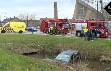 Auto te water Ambrosiusweg / Olympiaweg Waalwijk