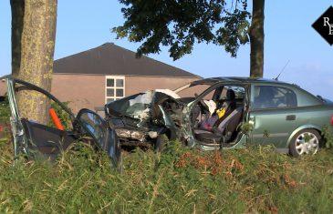 Automobilist zwaargewond na botsing tegen boom in Rosmalen