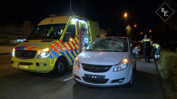 Voetganger zwaargewond na aanrijding met auto