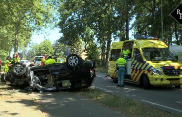 Automobilist beland op z'n kop bij ongeval Duinweg Drunen