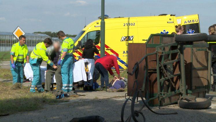 Koetsier en bijrijder gewond bij ongeval met streekbus