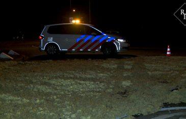 Vrachtwagen verliest 10-ton aardappelen Sluisweg Den Bosch