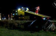 Auto slaat over de kop en beland in sloot Grintweg Rosmalen