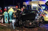 Automobilist zwaargewond na botsing tegen boom Vijf Eikenweg Dorst