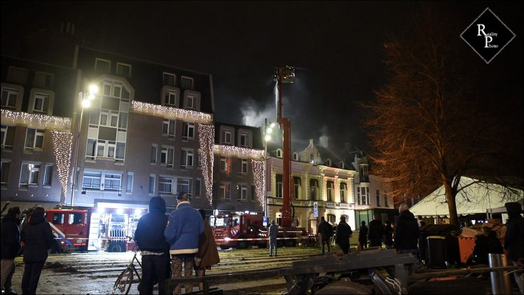 Uitslaande brand bij The End Karaoke op de Heuvel in Tilburg