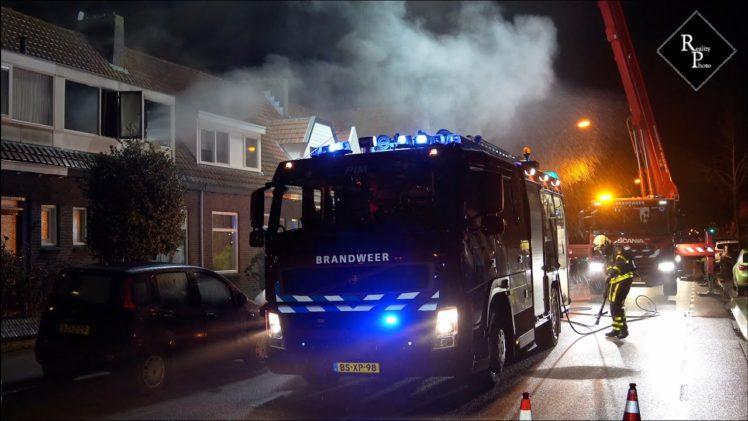 Bovenverdieping woning Putstraat Waalwijk door brand verwoest