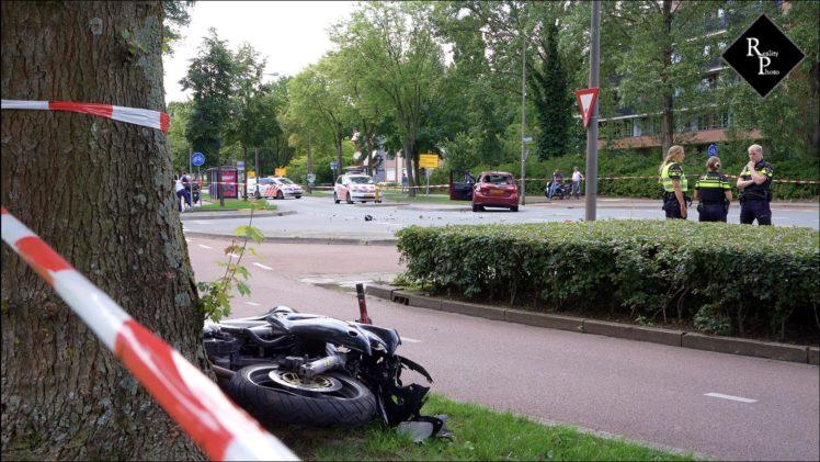 Motorrijder zwaargewond na botsing met auto Rompertsebaan Den Bosch